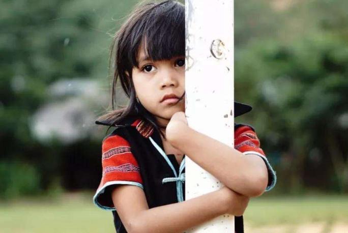 父母教育孩子时,这3句伤感情的话别说出口,比打骂更伤孩子心
