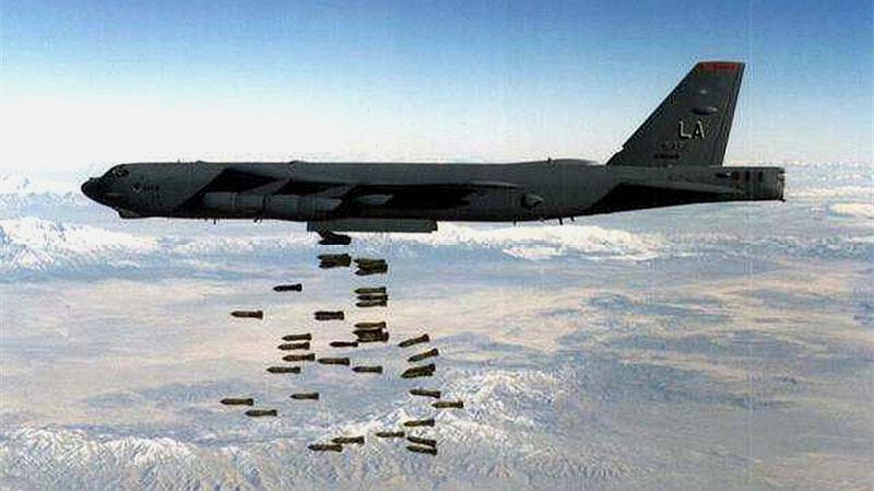 7次逼近领空,B52携带导弹模拟攻击
