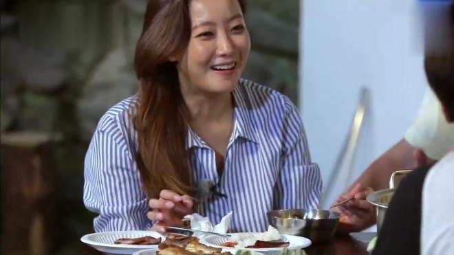 韩综「岛剑客」吃货姜虎东教你真正吃鱼最爽的方法!郑容和膜拜