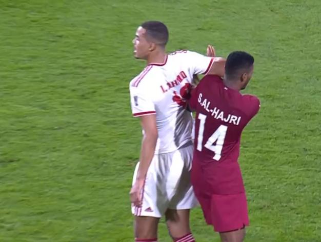 卡塔尔创63年新历史!东道主输球输人,最后时刻肘击染红
