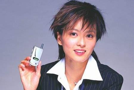 又一国产手机巨头倒下,辉煌时曾请梁咏琪代言,如今被外企收购!