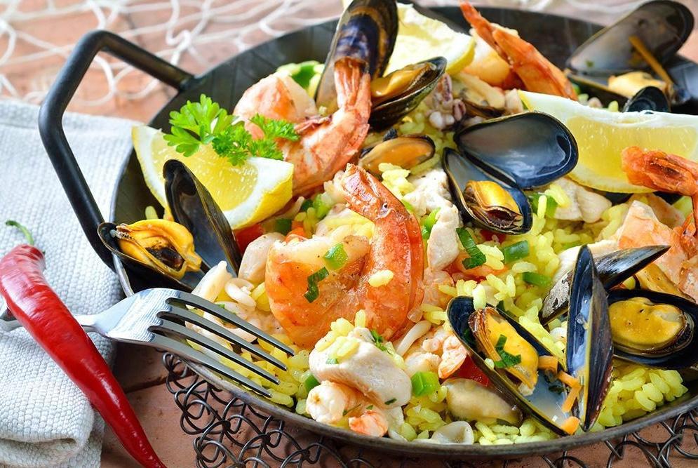 """周末请父母吃海鲜,在餐厅巧遇领导,第二天却收到""""人事调令"""""""