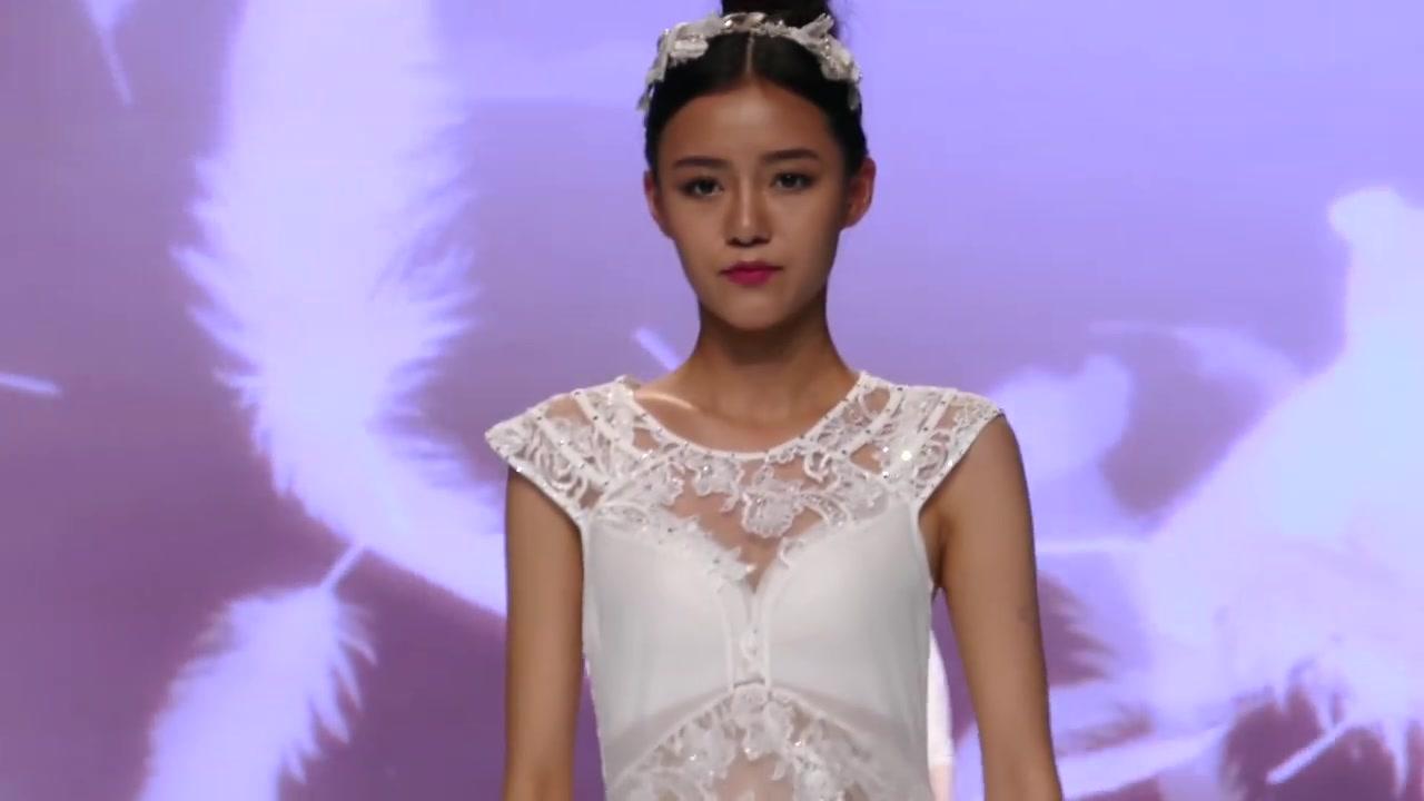 内衣时装秀:薄纱酒店上演的身材太迷人,点缀若隐若现全国helokitty情趣白色图片