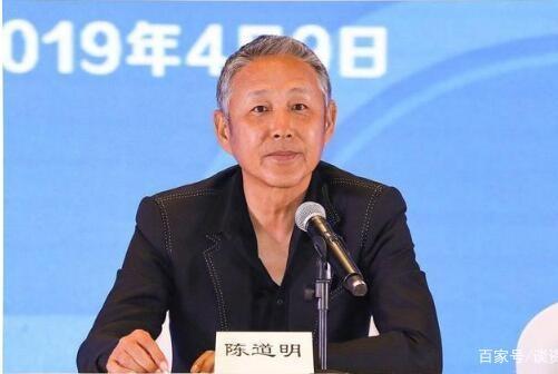64岁陈道明一头白发突然变老,与四个月前判若两人