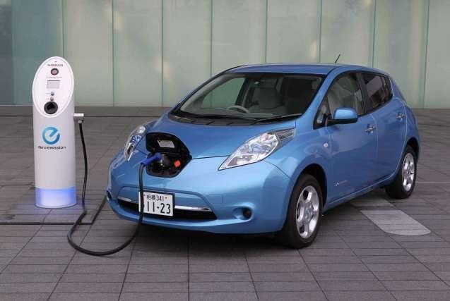 为了上绿牌还是为了体验,让我们看看购买电动汽车的真实动机