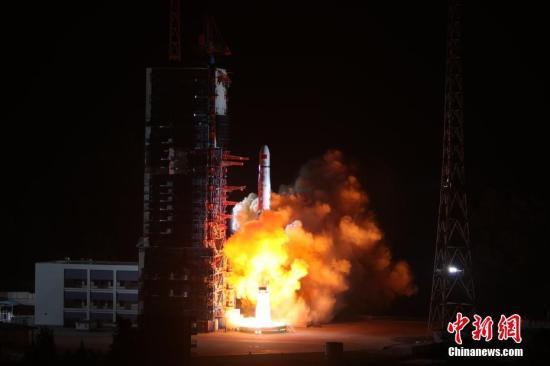 """中继星""""鹊桥""""在轨测试正常 静待嫦娥四号到来"""