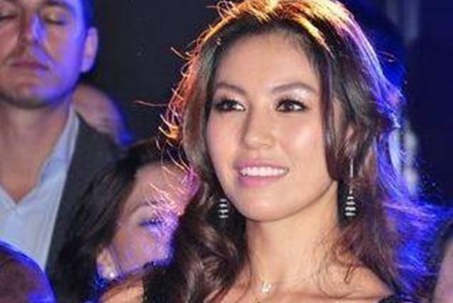 重庆首富的闺女,不仅外表出众,还是王思聪朋友,22岁就身家亿万