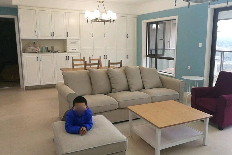 新房终于装修完工,花了14W,电视墙特别抢眼,儿子很喜欢!晒晒