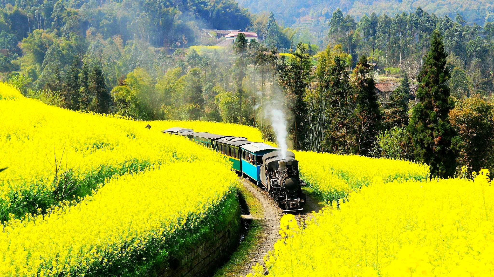 """四川最""""传奇""""的火车:20公里要开两小时,还列入文物被保护"""