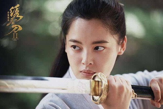她因貌美出道7年未走红,今搭档潘粤明,在《怒晴湘西》惊艳众人