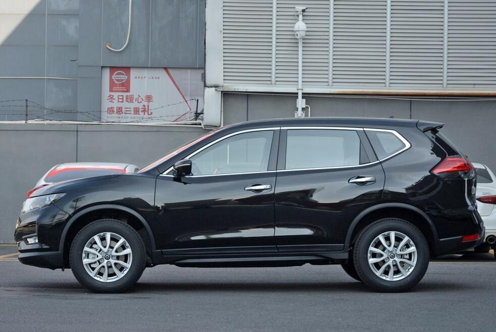 日系SUV中的销冠,配主动刹车及7气囊,满油可续航900km!