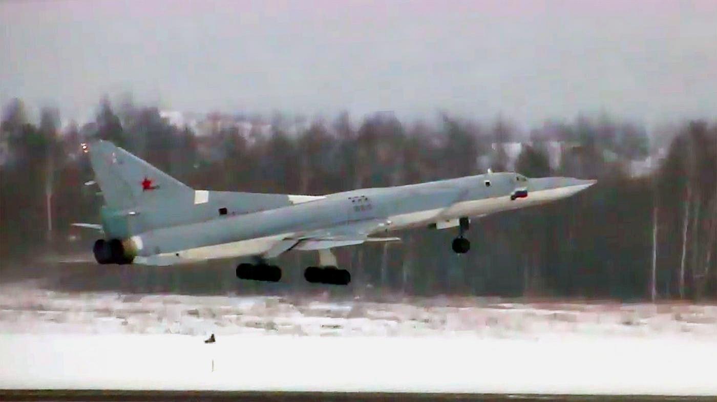 俄罗斯最新图22M3M轰炸机首飞,可携带高超音速导弹威胁欧洲