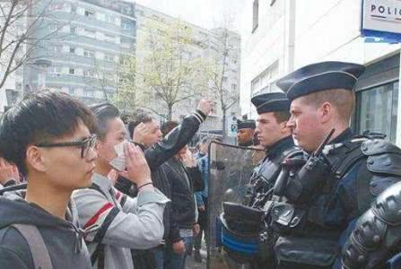 又一个抵制中国的国家,比日韩还要过分,直接挂牌子拒绝进入!