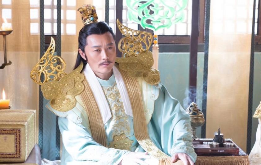 新天龙八部拍摄现场,导演扮演乔峰义兄,徐冬冬的刀白凤风情万种