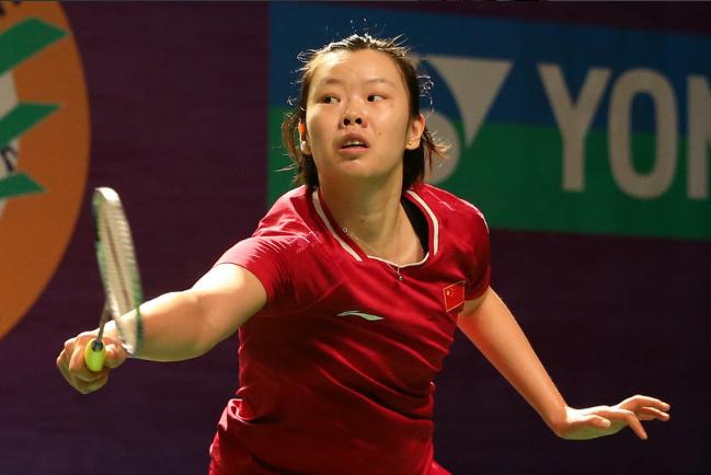 淘汰卫冕冠军!国羽奥运冠军2-0横扫日本名将 李雪芮冲赛季首冠