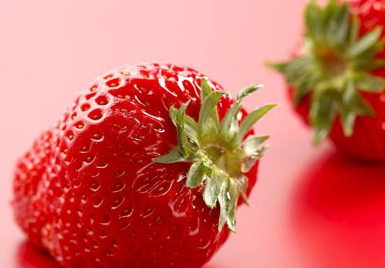 草莓果实柔软多汁酸甜适口,而且香气浓郁,俘获了不少吃货的心.