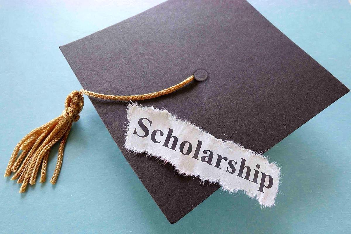 贫困学生申请助学金不需要开证明了?申请学生书面承诺即可