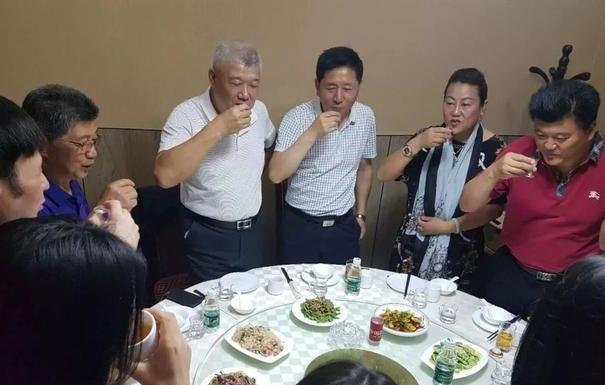 台知名人士谢明辉搭高铁游大陆:祖国风光迎面而来,汉唐盛世也无如此辉煌