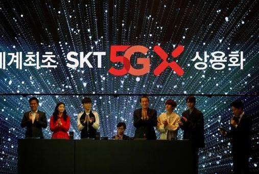 美韩争抢5G闹笑话,要么没信号要么没合适手机,多国主动求助中国