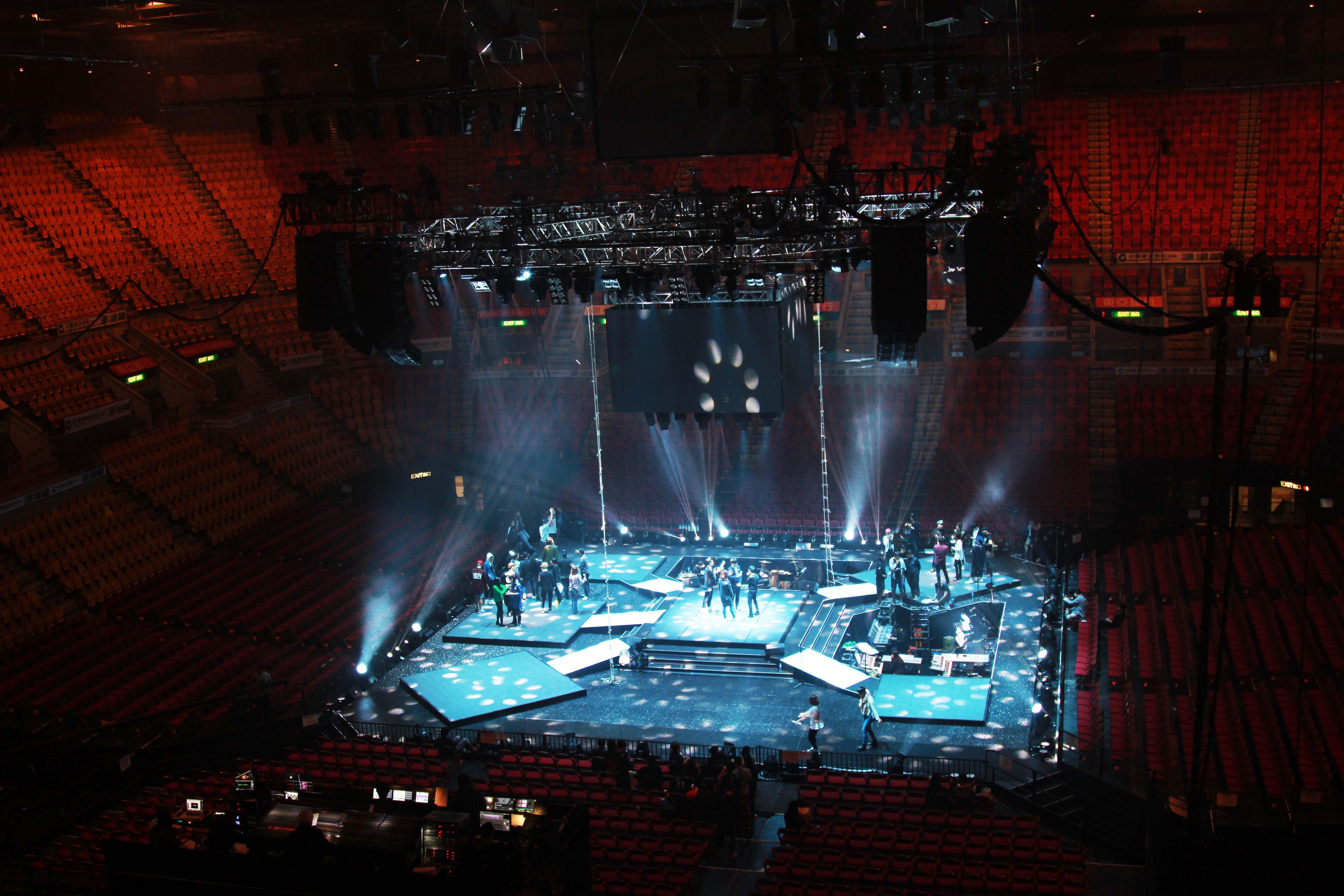 盘点凄凉演唱会:他的现场7个观众14个保安,他斥巨资亏