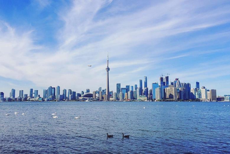 看看加拿大最好的城市是怎么样的,能比得上国内一二线城市吗