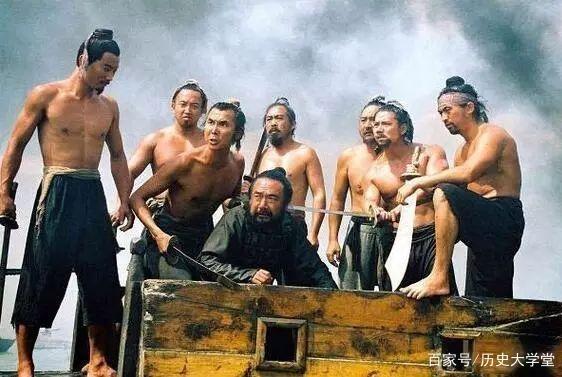 《水浒传》里同样是管家的两个小人物,做人的差距却极大