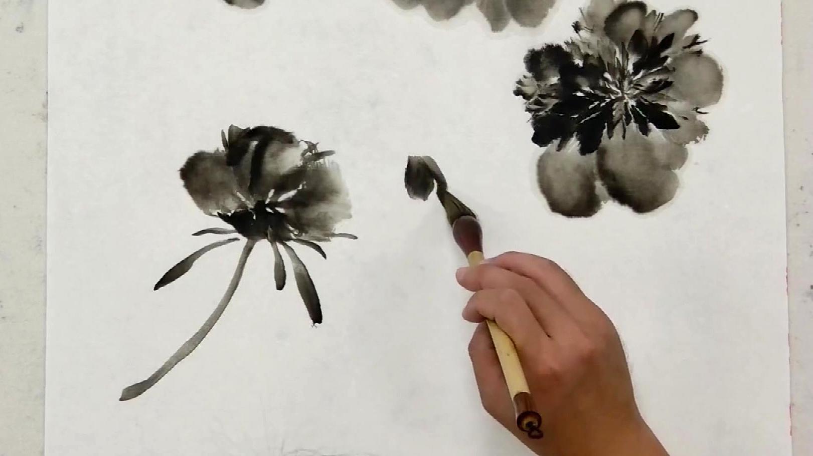 国画:美院老师展示水墨牡丹的绘画过程,步骤清晰简单,值得收藏