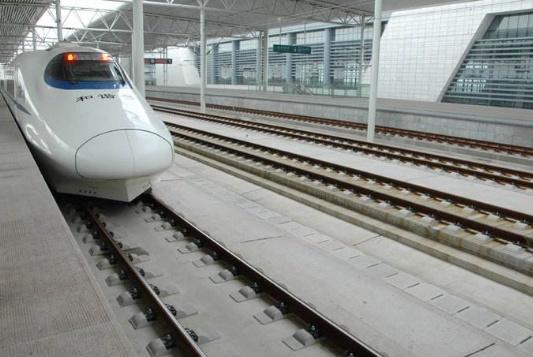 日本游客指出中国高铁不足之处?在说出答案后,网友:还真说对了