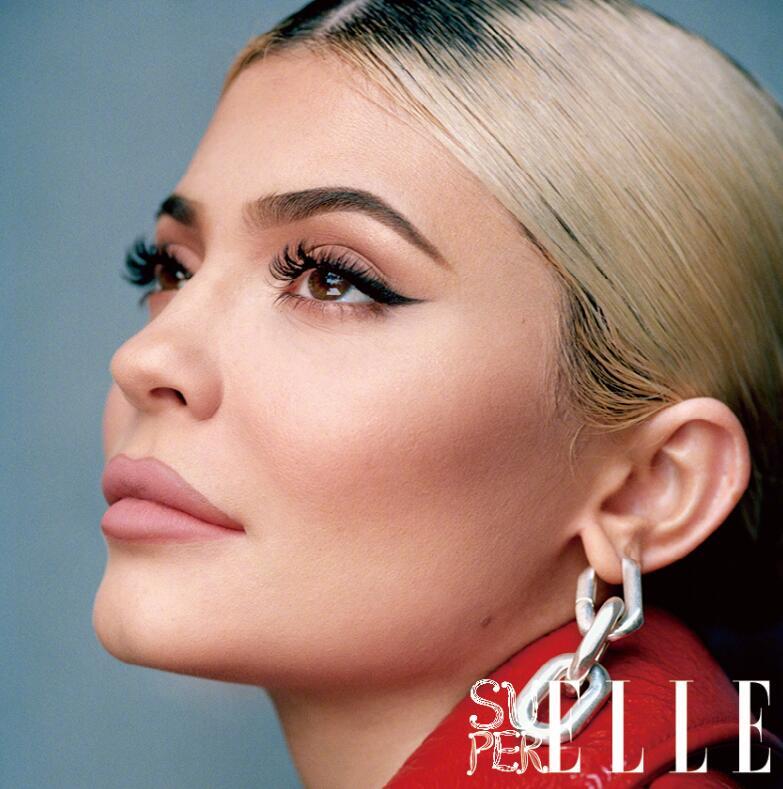 21岁名利双收的最年轻亿万富翁,登《ELLE》杂志让人挪不开眼?