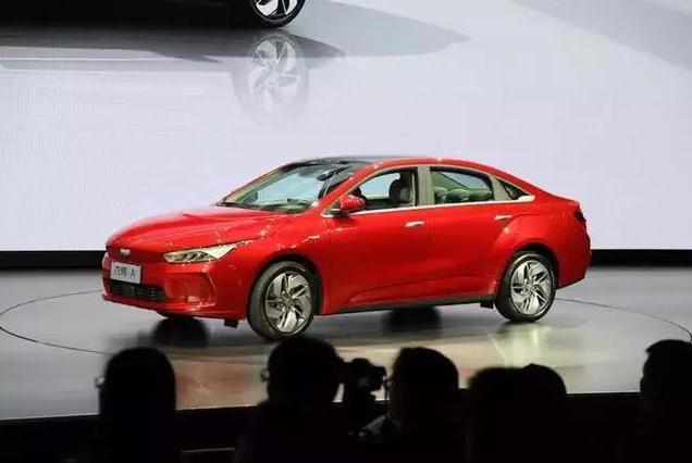 15万起售,除去车标,这应该是最接近Model 3的国产车了