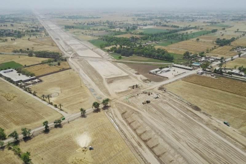 巴基斯坦高速公路收费站,日本人收取30美元,对中国游客很暖心