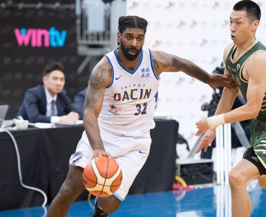热身赛首秀51分,当年NBA悍将中国大放异彩,辽篮签他可重新争冠