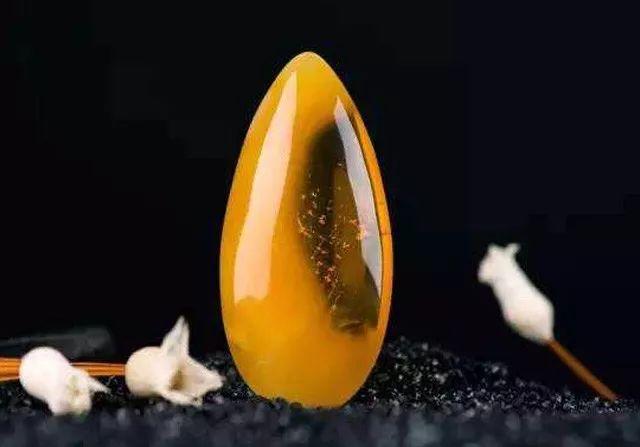 金绞蜜水滴吊饰