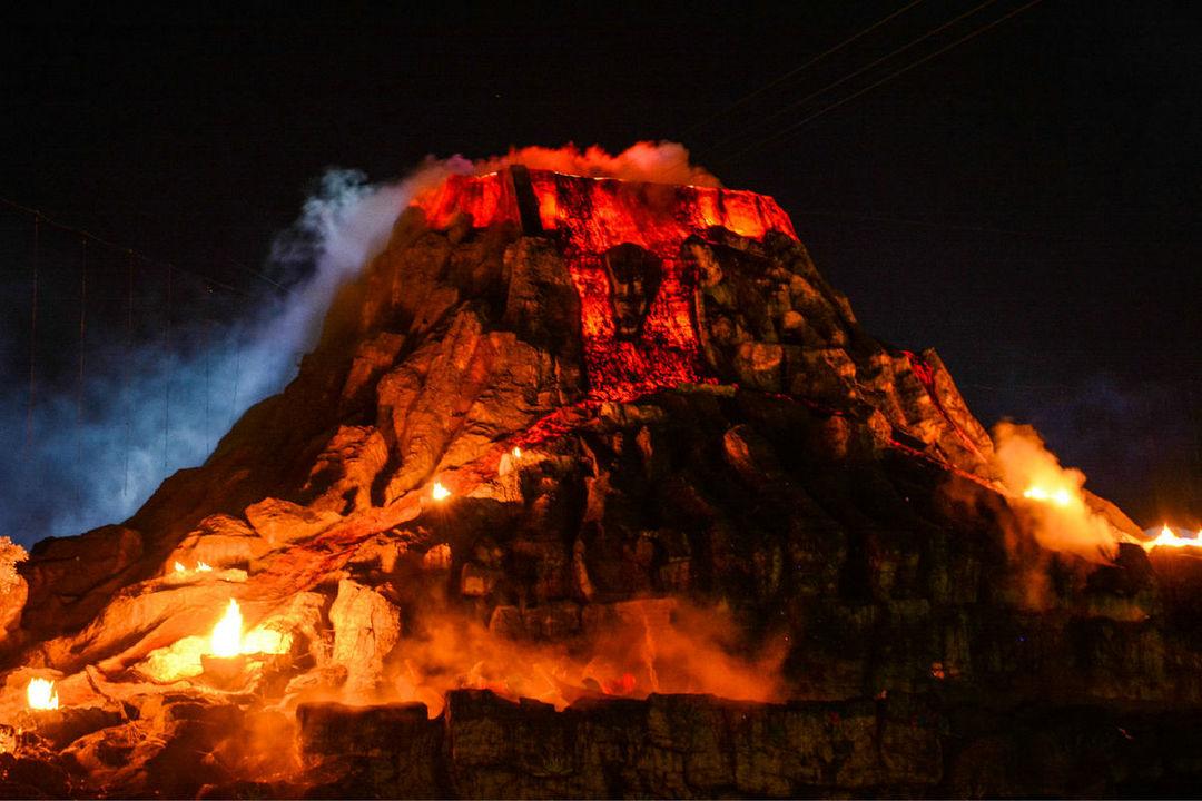 火山爆发是物理现象吗 火山爆发物理现象