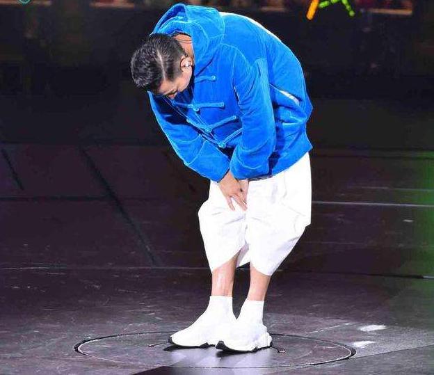 """赏析五张刘德华的演唱会照片,最后一张""""哭""""得让人心疼!图片"""