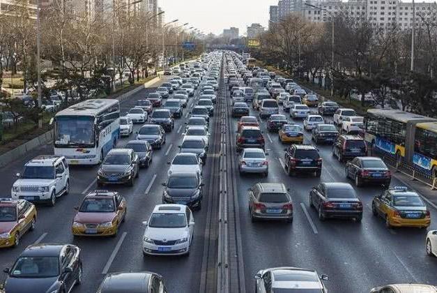 中国汽车保有量达3.6亿辆,有车的人真这么多吗?看到原因呆了
