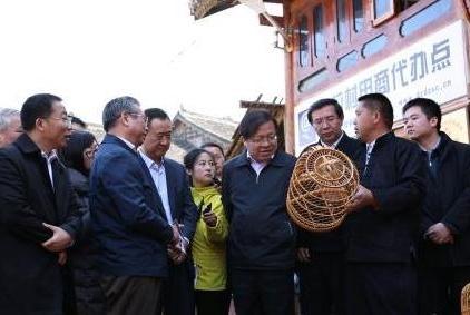 马云想当老师,王健林对扶贫模式感兴趣,财富越多社会责任越多
