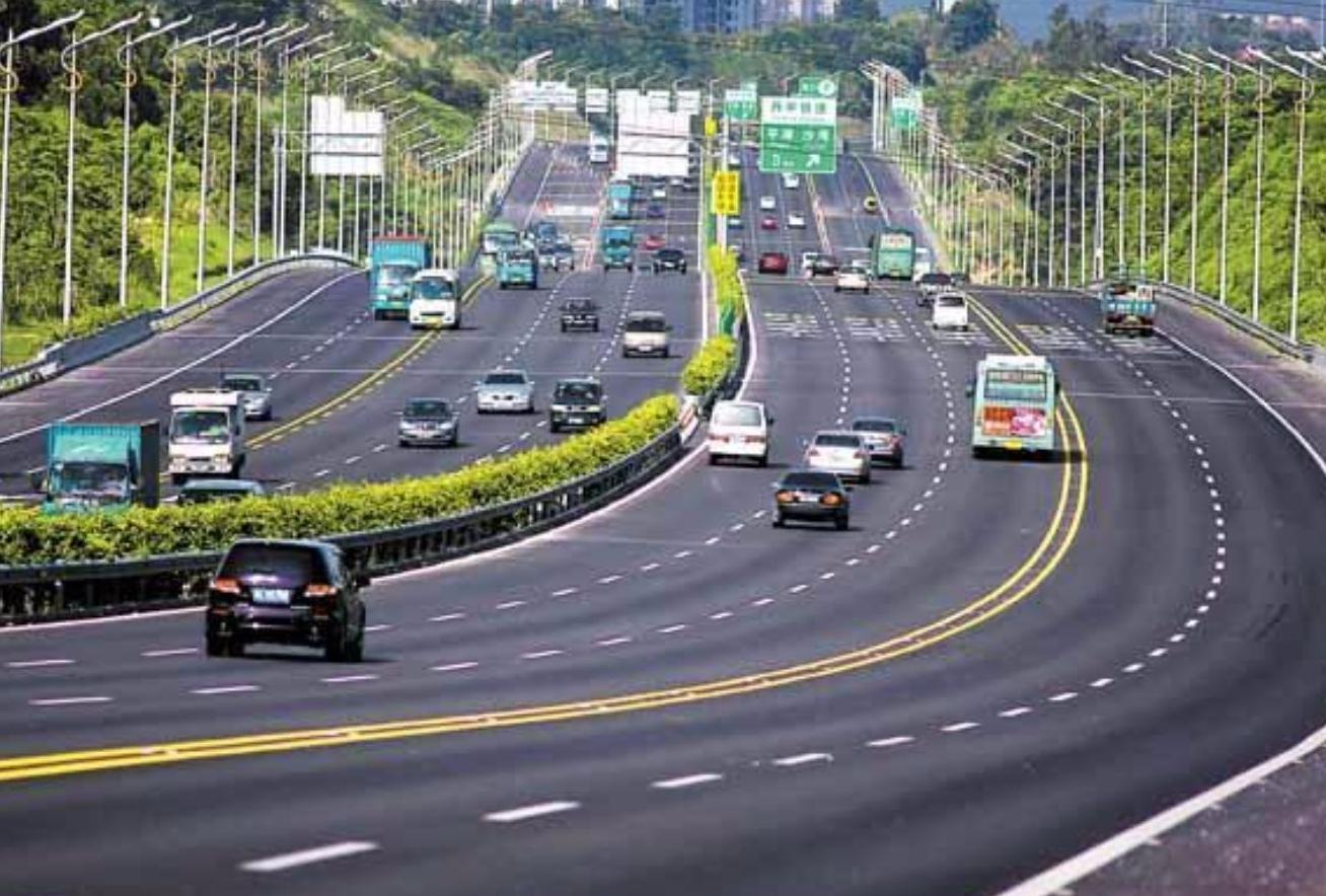长时间跑高速,汽车能承受住吗?