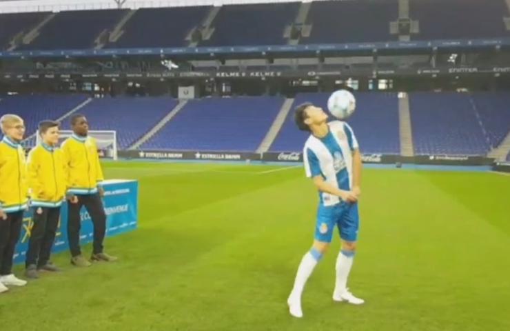 武磊首次球技考验完美过关,玩嗨时用受伤肩膀玩球!比保利尼奥稳