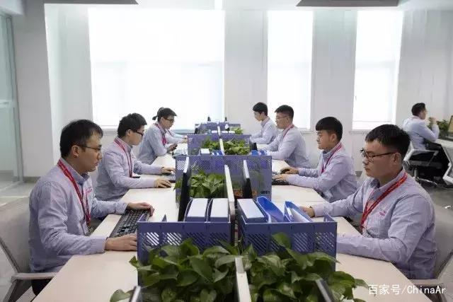 自动售货机领头羊—易触科技亮相第2届中国国际人工智能零售展! ar娱乐_打造AR产业周边娱乐信息项目 第5张