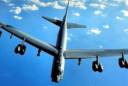 5架核轰炸机同时起飞,中途调转枪口突破拦截,俄称此举无法原谅
