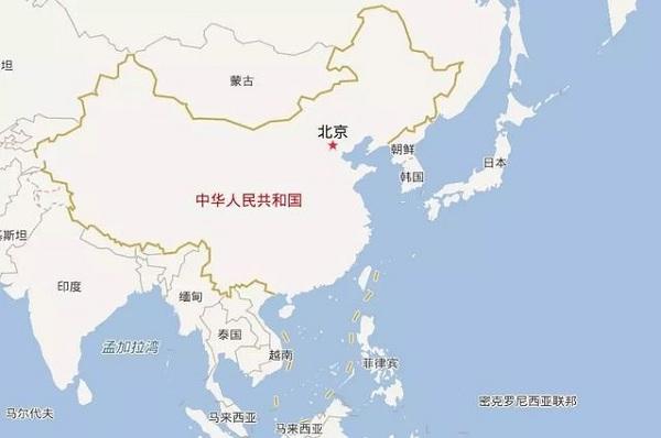 日本为何非要入侵我国?你把中国地图倒过来看,就可能会明白 中国绝对算的上是一个强国大国,特别是在古代的时候,从秦始皇统一六国的时候,实力就是已经展现的非常的明显了。中国在经过一代又一代的进步和发展,可谓是实力非常的雄厚,古代中国的历史就算是我们现在去翻阅,也是会觉得精彩绝伦。但是直到中国被清朝接手以后,就发生了改变。其实在清朝的时候也是有过非常的强盛和繁荣的时期的,但是到了晚期以后就开始渐渐的衰败了。  在清朝晚期的时候已经是有许多的西方好玩的新鲜事物进入到了我们的视线当中,但是我们却还是在坚持着自己的