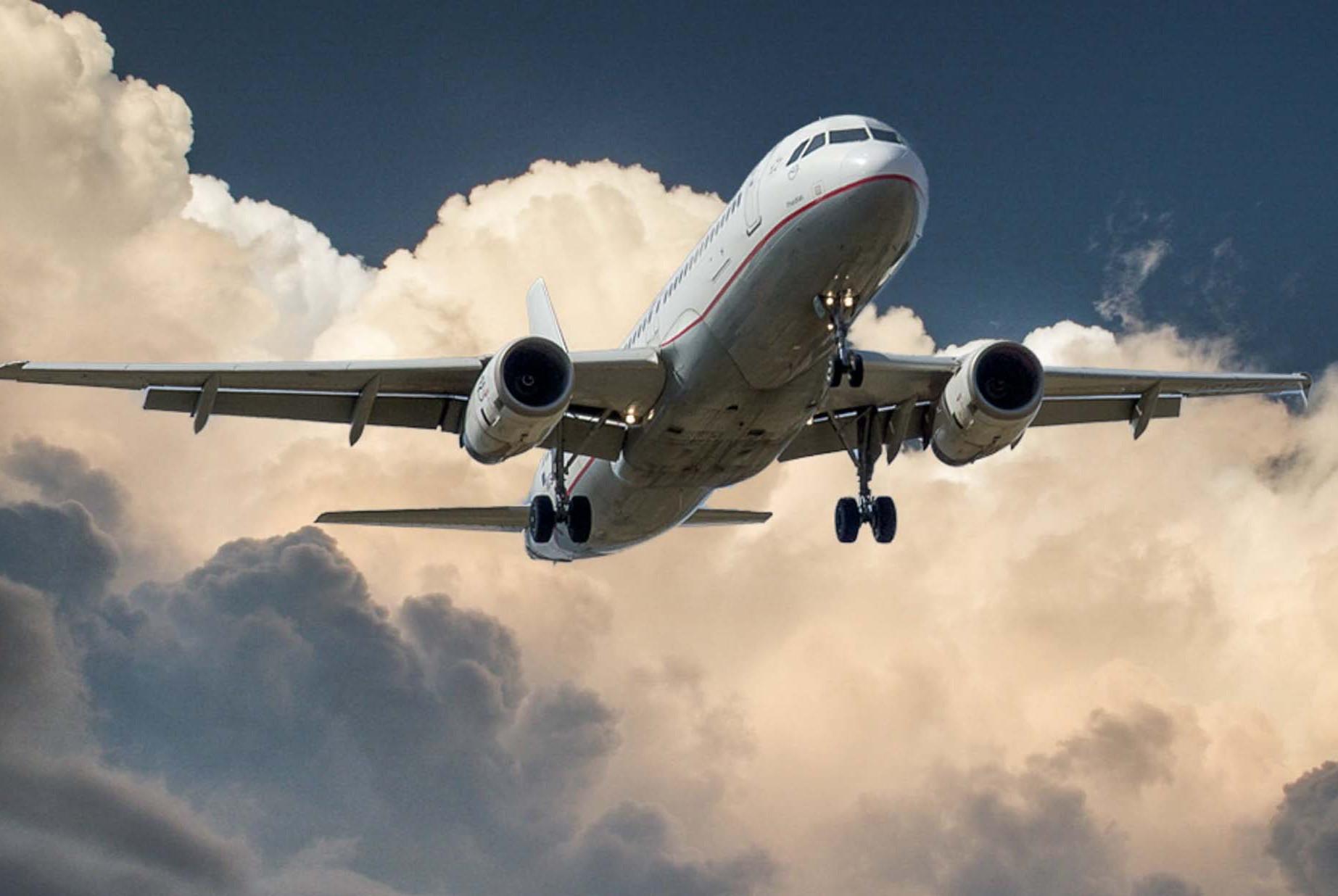 飞机易得,航线难求,天上本没有路,为什么非得按照固定路线飞?