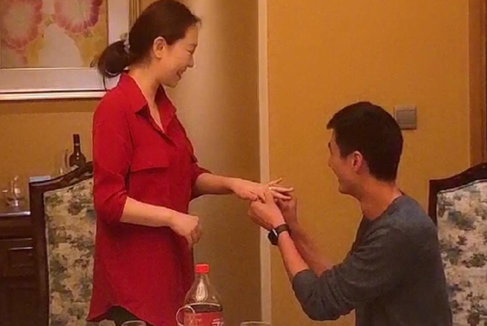 低调完婚!37岁国手方颖超娶小7岁女排米杨,都是二婚 还带个孩子
