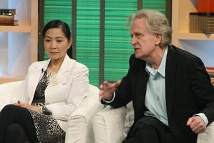 曾获封百花奖影后,与张丰毅是同学,59岁的她与德国丈夫生活幸福
