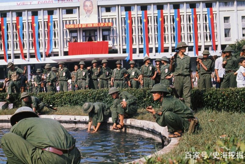 美国败走越南后,这艘美国军舰还拯救了3万越南难民