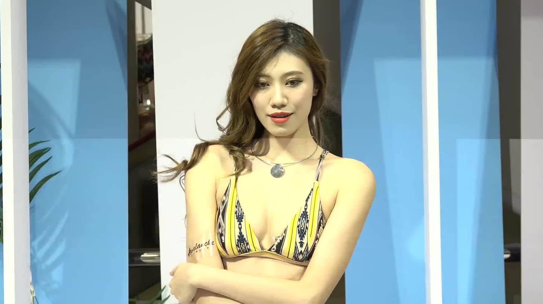国模美屄_aboard亚洲时装秀:气质国模身材性感秀出曲线!美的让