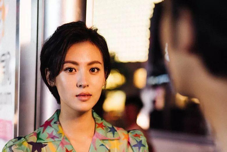 冯小刚为她改戏,同赵丽颖亲如闺蜜,奈何出道多年不火