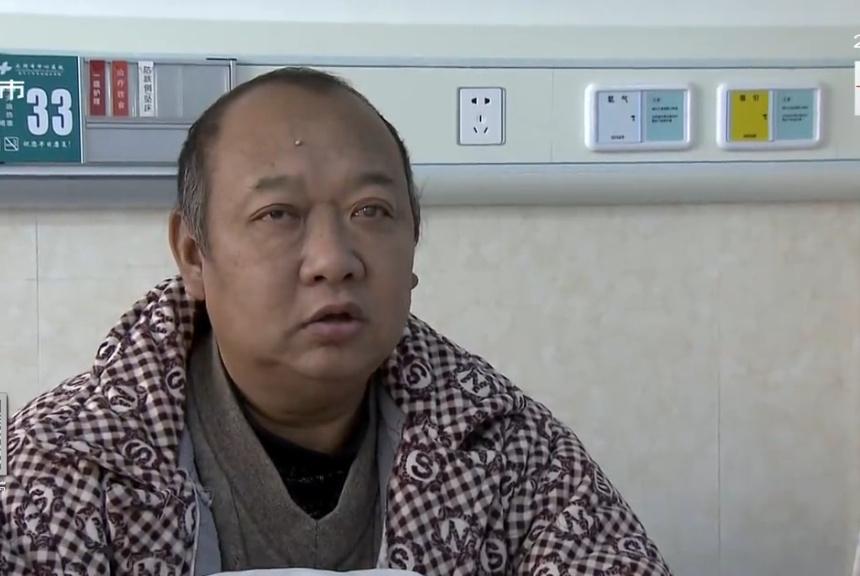 儿子身患绝症住院,遭80岁父亲上门毒打,儿媳:后妈在背后搞事!