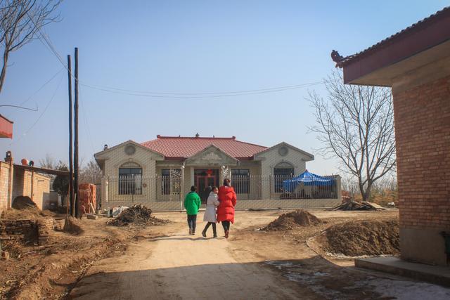 甘肃庆阳农村春节耍社火寺庙烧香很热闹 但团聚的日子图片